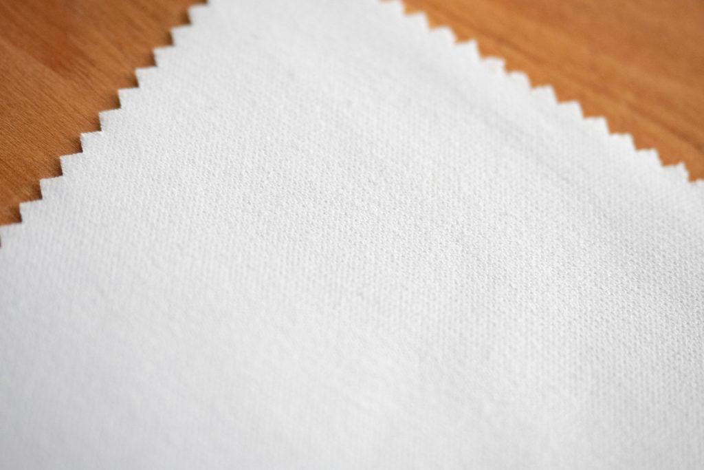 マイクロ繊維のメガネ拭きのアップ