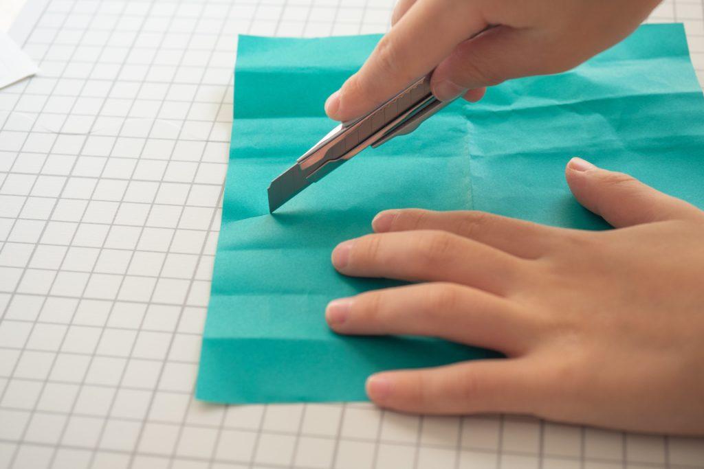 無印良品『折りたたみカッティングマット』はカッターで切り刻んでも大丈夫