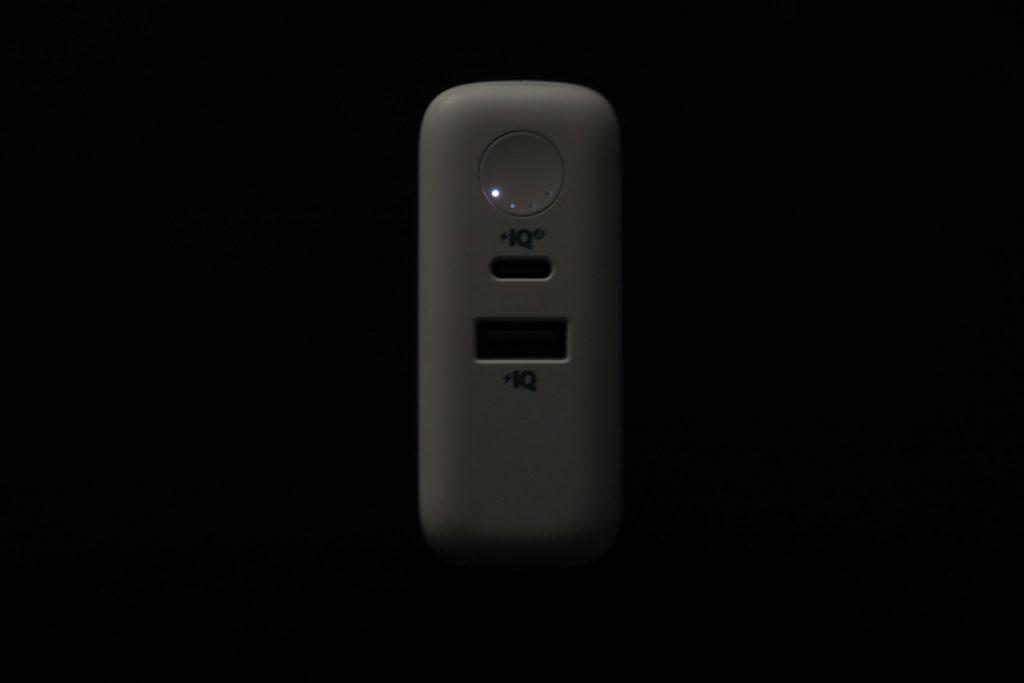 『Anker PowerCore III Fusion 5000』のバッテリー残量