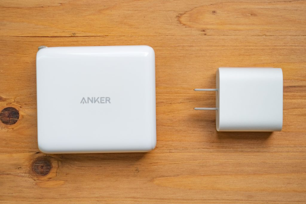 Anker PowerCore III Fusion 5000とAppleUSB-C充電器の比較