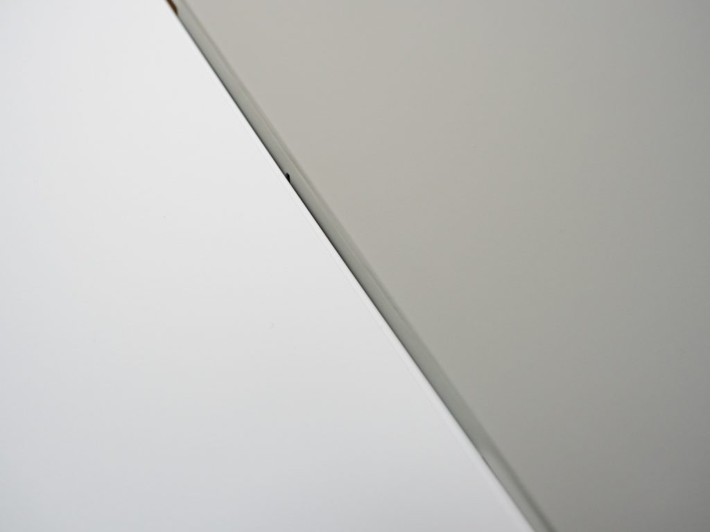 ESR iPad Air 4 ケースとSmart Folio
