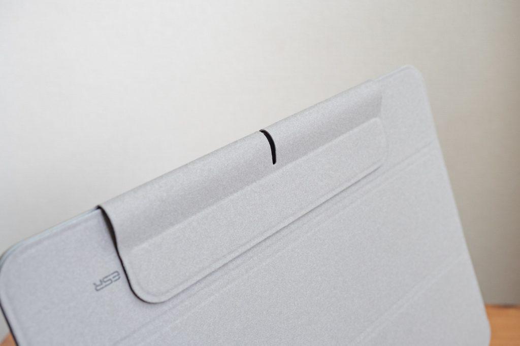 ESR iPad Air 4 ケースはApple Pencilカバーは裏面にもピタッと貼り付く