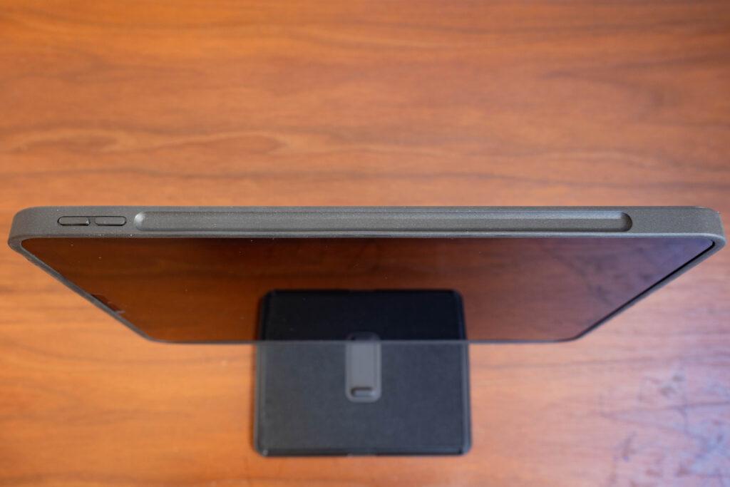 moft-floatのApple pencil用の凹み