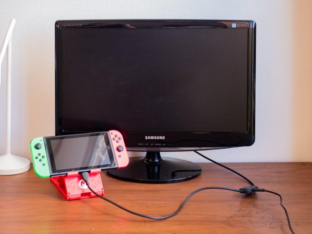 Nintendo Switchのミニドックでゲームする