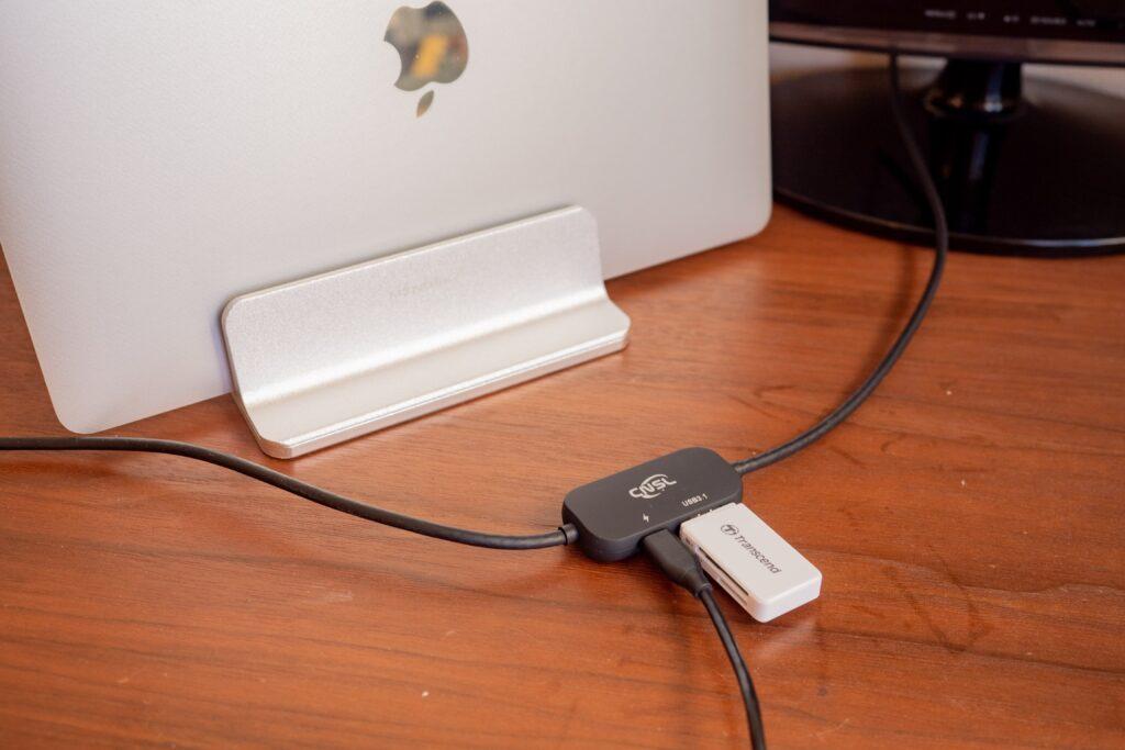 Nintendo Switchのミニドックはパソコンのモニター接続時にデータ読み込みできる。